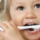 Toothbrush Battle: Sonicare vs. Manual